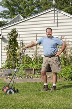 Start Up Your Own Small Lawn Care Business Quick Guide