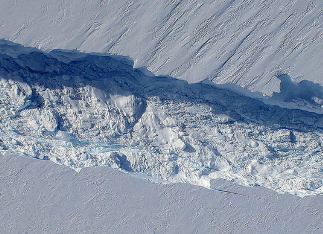 Antarctica's largest melting glacier does an about face